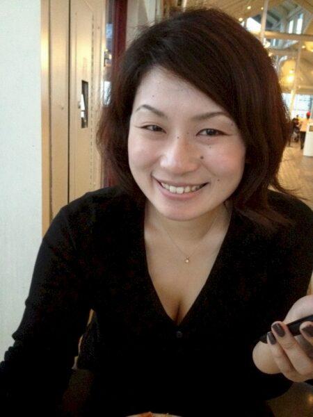 Femme asiatique soumise pour coquin qui aime soumettre assez souvent disponible