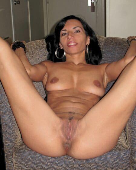 Femme cougar dominante pour mec qui aime la soumission