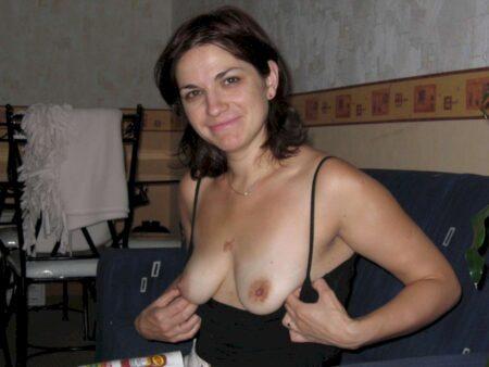 Femme cougar sexy cherche son libertin sur l'Ain
