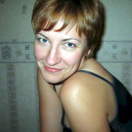Femme sexy soumise pour coquin directif dispo