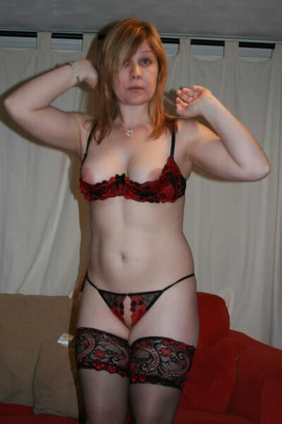 Pour jeune libertin torride dispo qui souhaite une cougar sexy